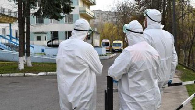 Tot mai mulți angajați din sistemul de sănătate se infectează zilnic cu COVID-19. Bilanțul a depășit 750 de cazuri