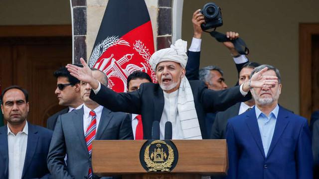 Afganistan: Explozii la Kabul în timpul ceremoniei la care președintele reales Ghani a depus jurământul