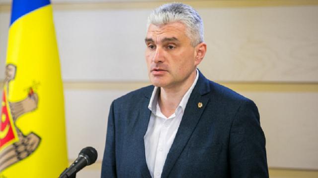 Platforma DA solicită convocarea ședinței Parlamentului | Alexandr Slusari: Ne așteaptă o criză de proporții, dar Guvernul se face că plouă