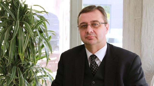 """Iulian Chifu: """"Președintele pro-rus Dodon și bătălia pentru majoritate: Ruperea PDM în bucăți"""" (Revista presei)"""
