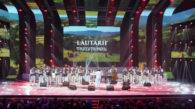 """Orchestra de muzică populară """"Lăutarii"""" a prezentat două concerte aniversare"""