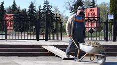 FOTO | Lucrările de milioane la Memorialul Eternitate continuă; Oamenii, impuși să lucreze în pofida riscurilor (Jurnal Tv)