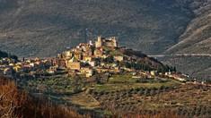 Un sat din Italia plasat în carantină totală, transformat în laborator uman. Oamenii nu pot ieși din case nici măcar pentru mâncare