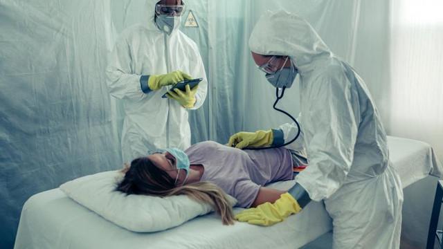 Studiu: Noul virus ar putea provoca accidente vasculare cerebrale subite în rândul adulților cu simptome moderate