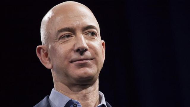 Averea netă combinată a lui Jeff Bezos, Elon Musk și altor miliardari a crescut cu aproape 10% în timpul pandemiei