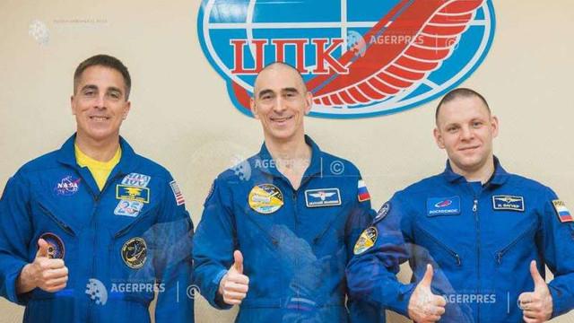 Un echipaj spațial părăsește Terra îndreptându-se spre ISS în plină pandemie