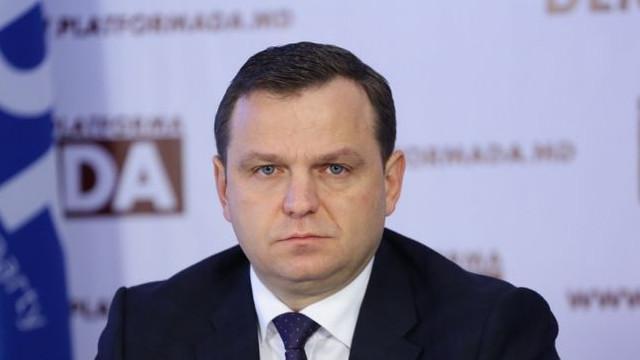 Andrei Năstase a făcut un denunț la procuratură în care cere să fie investigate imaginile video apărute în presă cu implicarea președintelui Igor Dodon