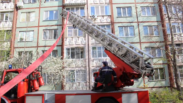 UPDATE | FOTO / Incediul dintr-un apartament din sectorul Rîșcani al Capitalei a fost lichidat