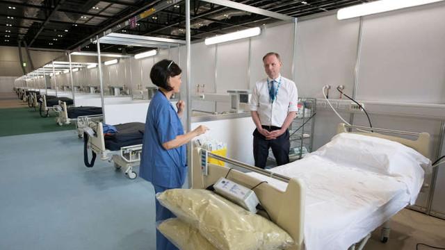 Coronavirus: Britanicii construiesc încă două spitale provizorii