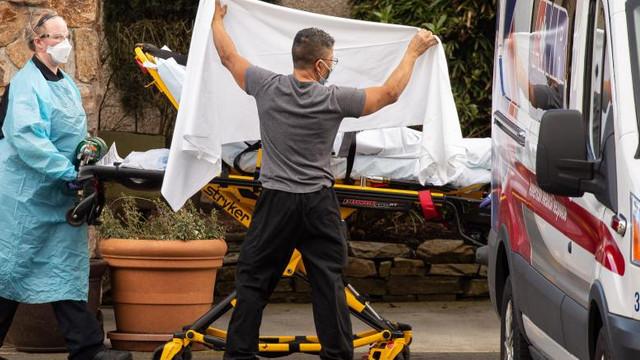 Un nou record negru pentru SUA. Aproape 2000 de perosane au murit, într-o singură zi, din cauza COVID-19