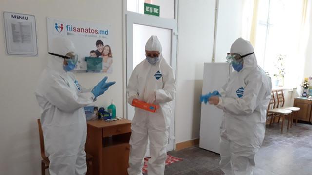 Încă 46 de lucrători medicali infectați cu COVID-19. În total sunt 215 bolnavi în rândul personalului medical din R. Moldova