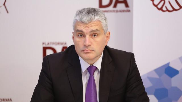 """Platforma DA va contesta la CCM prevederile """"care nu au nicio legătură cu situația de criză"""", pentru combaterea coronavirusului, asumate de Guvern"""