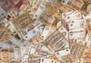 Autoturisme, havuzuri și complexe sportive - achiziții prioritare, în timp ce cetățenii donau bani în conturile statului pentru combaterea COVID-19