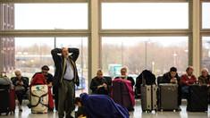 O companie aeriană a reluat zborurile către Italia, dar primul zbor s-a întors înapoi pentru că aeroportul era închis