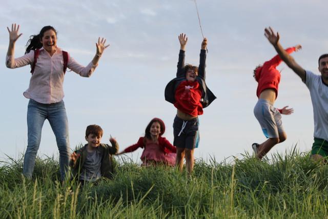 JURNAL DE EMIGRANT | Definiția fericirii pentru copiii imigranților basarabeni în Marea Britanie (FOTO/AUDIO)