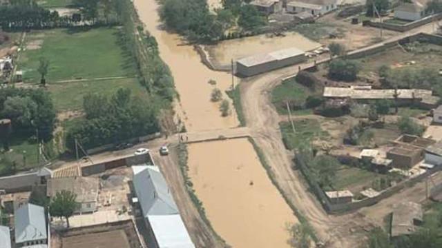 Zeci de mii de persoane, evacuate în Uzbekistan și Kazahstan în urma fisurării unui baraj de acumulare
