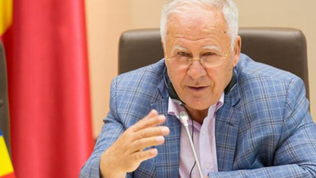 Dumitru Diacov vrea un nou text al Constituției după ce Igor Dodon a semnat pentru crearea Comisiei pentru reformarea constituțională