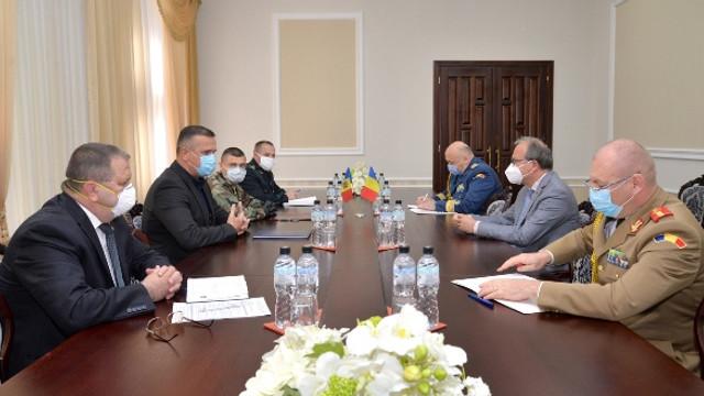 Cooperarea în domeniul apărării dintre R.Moldova și România, discutată de ministrul Alexandru Pânzari și ambasadorul Daniel Ioniță