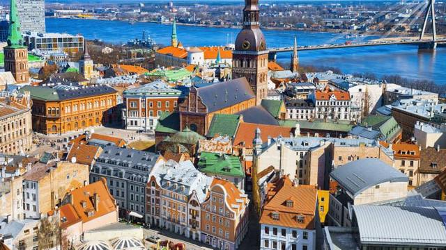 """VIDEO DIGI24.RO   De ce Estonia este o țară altfel? """"Am făcut schimbări curajoase în anii '90"""""""