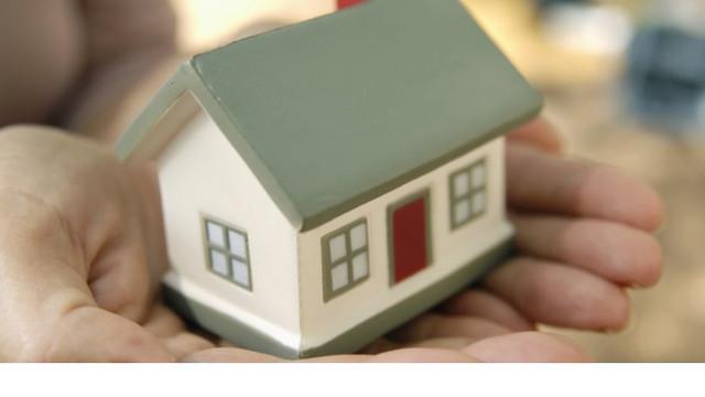 """Facilități la accesarea programului """"Prima casă"""", aprobate de Parlament"""