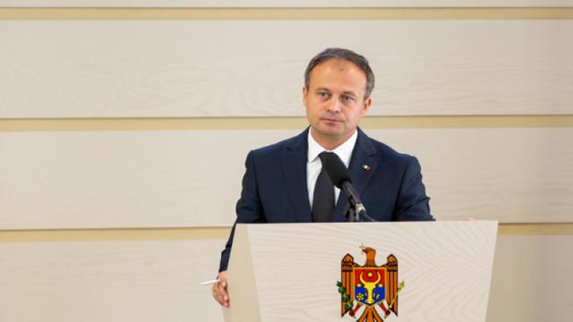 Ion Sturza: Candu este nașul lui Plahotniuc în sensul fraudelor majore economice