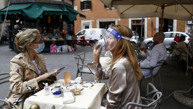 Avertisment la nivel înalt: Nu e vreme de relaxare. Europa să se pregătească pentru al doilea val de coronavirus!