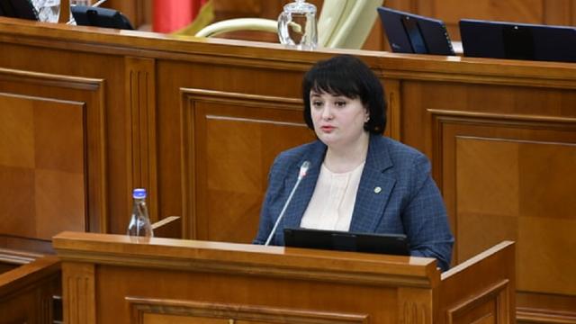 Parlamentul a ratificat un acord de 53 de milioane de euro, bani destinați inclusiv pentru pregătirea de cel de-al doilea val de COVID-19