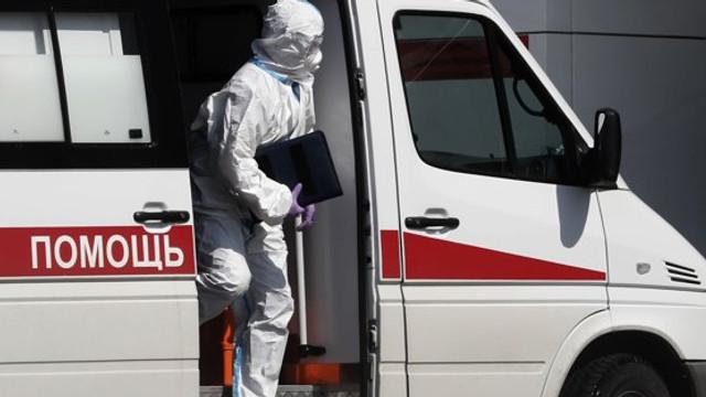 În Rusia mor de 16 ori mai mulți medici de coronavirus decât în alte țări cu un număr similar de cazuri