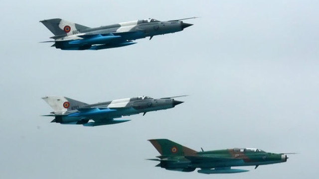 Patru avioane militare rusești interceptate de Forțele Aeriene Române