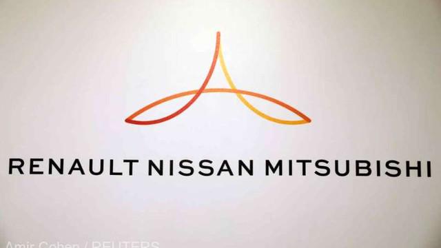 Nissan și Renault amână planurile de fuziune pentru a-și repara alianța (Reuters)