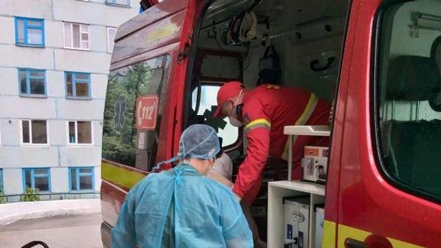 Intervenție SMURD | O pacientă în etate a fost transportată de la Bălți la Chișinău