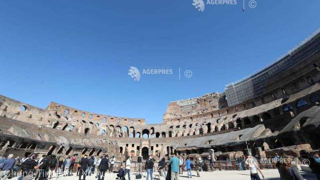 Coronavirus: Colosseumul, simbol al reîntoarcerii la normalitate a Italiei, a fost redeschis luni publicului