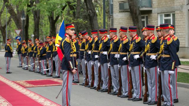 75 de militari moldoveni vor participa la parada din Piața Roșie
