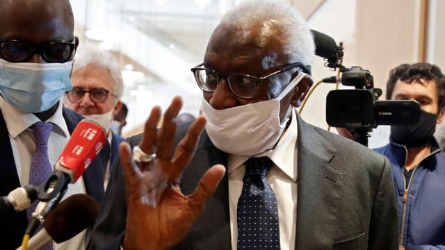 Atletism: A început, la Paris, procesul pentru corupție al fostului președinte IAAF Lamine Diack