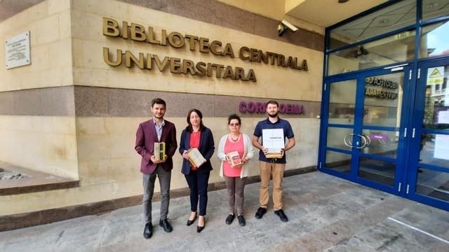Donație din România | Sute de volume importante ale literaturii române vor ajunge în bibliotecile școlare din Republica Moldova