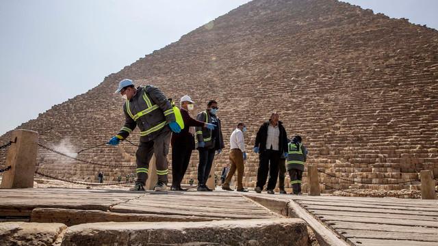 Egiptul va relaxa de sâmbătă unele restricții