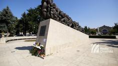 LIVE | Depuneri de flori la împlinirea a 71 de ani de la cel mai mare val de deportări staliniste din Basarabia