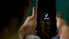 SUA ar putea interzice TikTok. Secretarul de stat american avertizează utilizatorii că-și oferă datele Partidului Comunist chinez
