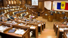 Coaliția PSRM-PD a respins solicitarea Platformei DA privind audierea în  Parlament a vice-premierului pentru Reintegrare, Cristina Lesnic