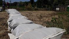 Doi locuitori din Căușeni au deteriorat digul de protecție la Nistru pentru a primi subvenții de la stat
