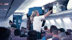 Noi măsuri anti COVID în Italia. Hainele pasagerilor sunt puse în pungi de plastic sterilizate