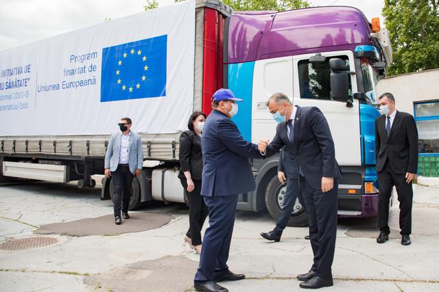 Reprezentantul OMS în R.Moldova: Epidemia este departe de final. Lotul de ajutor al UE e destinat în principal lucrătorilor medicali din prima linie, care sunt eroi, dar nu super eroi și trebuie să-i protejăm