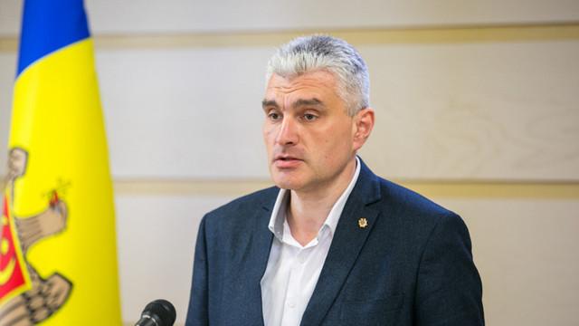 Replica lui Alexandru Slusari pentru Pavel Filip care a negat că deputații PDM au participat la discuții privind demiterea Guvernului