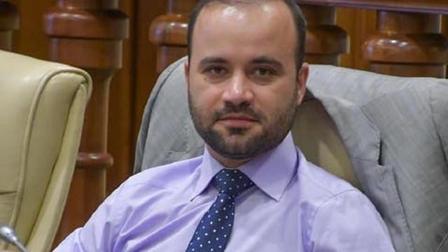"""Un deputat socialist deține cetățenia românească, dar evită să recunoască acest lucru. """"Eu am două pașapoarte: american și chinez"""""""
