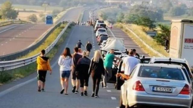 Grecia schimbă din nou regulile. Va testa toți turiștii care intră în țară pe la vama Kulata-Promachonas