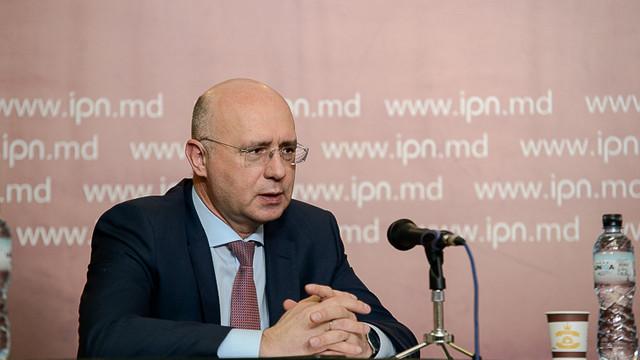 Pavel Filip: Fiecare politician care se află în Parlament trage jăratec la turta lui