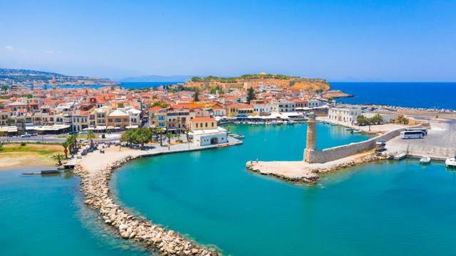 Creta va cheltui 15 milioane € pe testele COVID-19 ce vor fi efectuate turiștilor, până la final de sezon