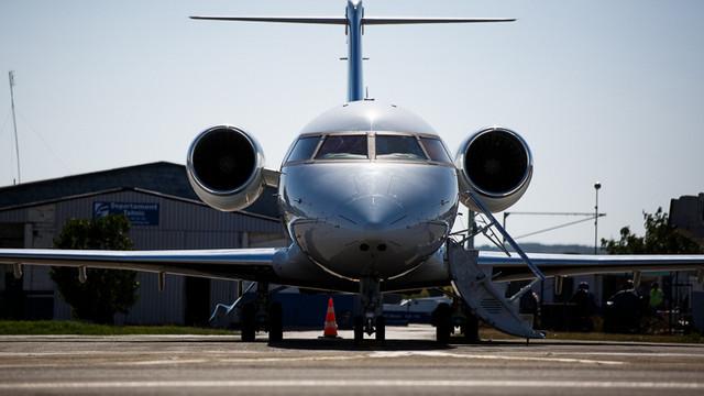 În prima jumătate a anului, traficul aerian de pasageri a scăzut cu 62%