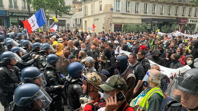 Proteste violente la Paris chiar de Ziua Națională. Manifestanții s-au confruntat cu poliția