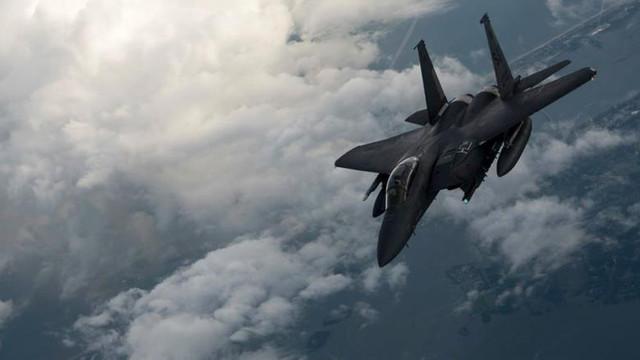 Incident în aer între două avioane americane și o aeronavă iraniană